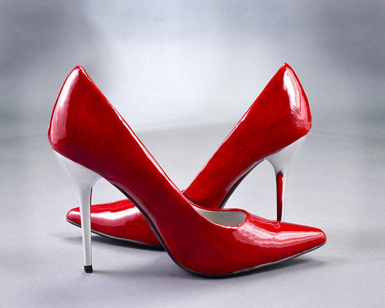 Oferte pantofi roșii
