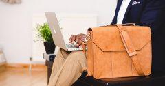 Oferte geantă pentru laptop